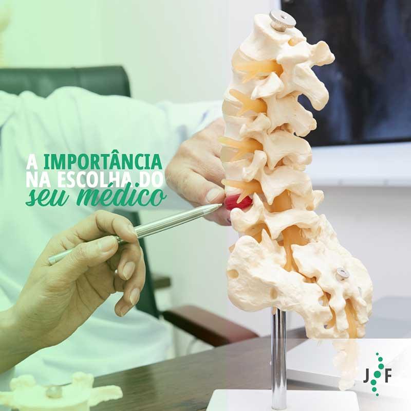 medico-especialista-coluna